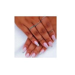 Graduation nails for the lovely Deesha 💅🏻 •_•_• _#nailsonfleek #prettynails #ombreglitter #maidava