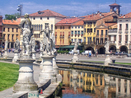Prato della Valle in Padua: a must see in the city of Padua