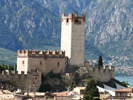 Les merveilles du lac de Garde: les châteaux des anciens faubourgs Gardesani