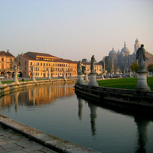 The majestic reflection of Padua