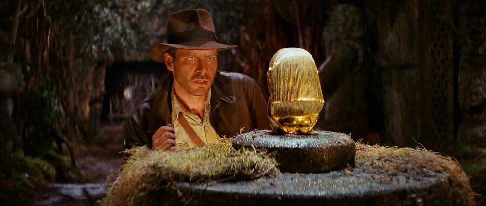 indiana jones steals the golden idol