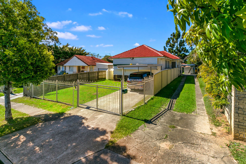 Dual living for sale Inala!