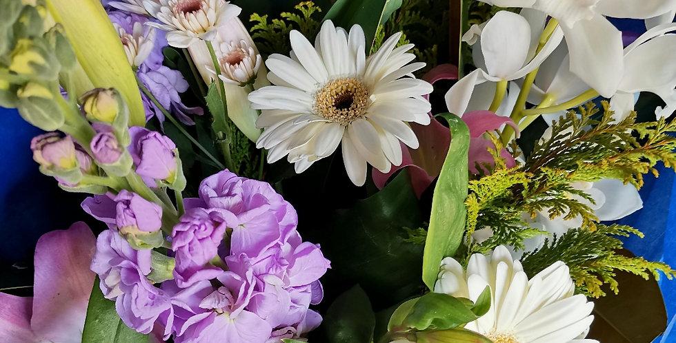 Seasonal Bouquet - SOFT PASTELS