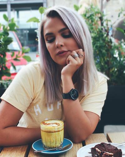 💫 Tumeric lattes, vegan brownie...jpg