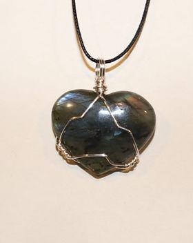 Wire-wrap-necklace-labradorite-heart-683