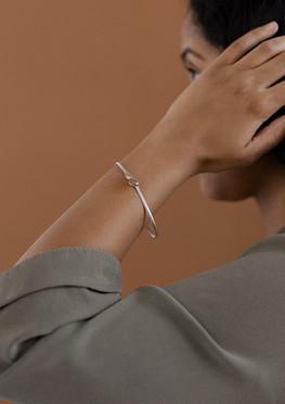 open & closeD bracelet 1 silver