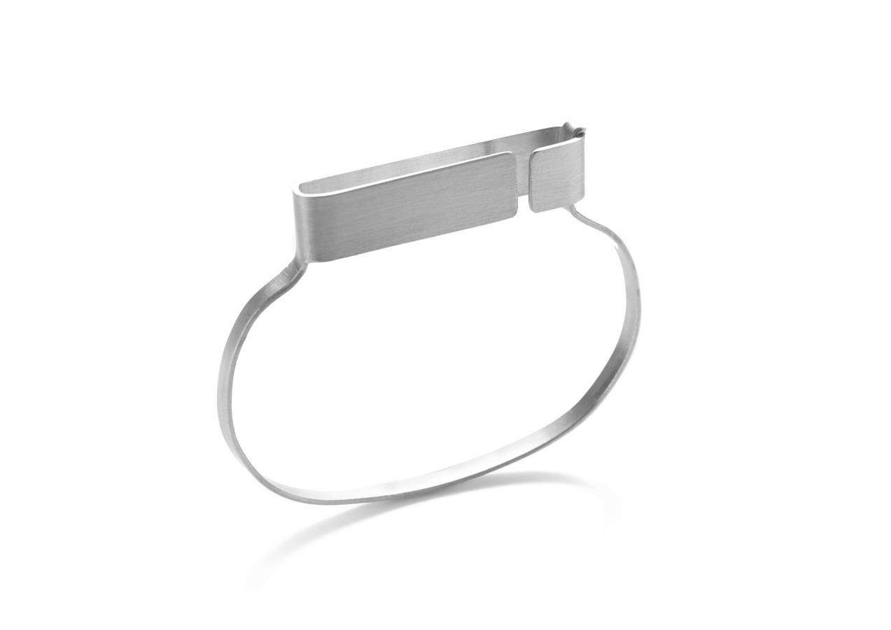 open and closeD armband