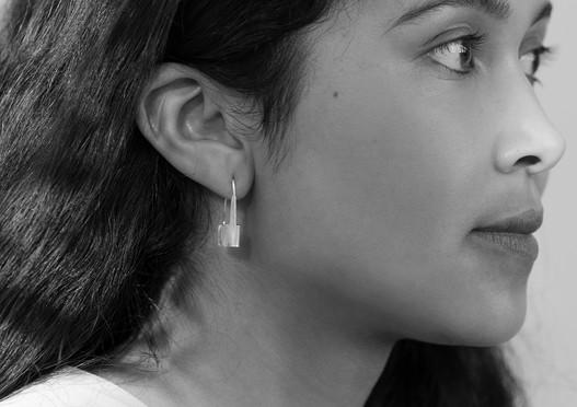 open & closeD earring silver