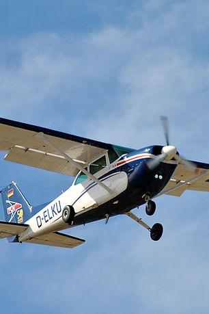 aircraft-4546307_edited.jpg