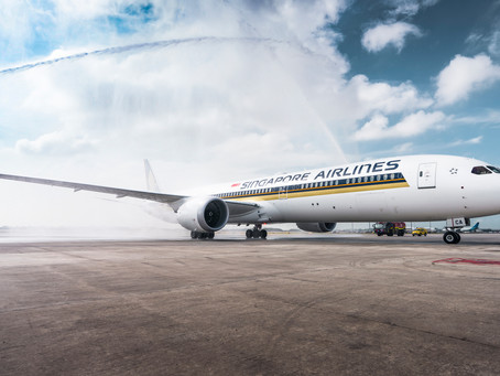 BOEING's 1000th DREAMLINER goes to Singapore airlines