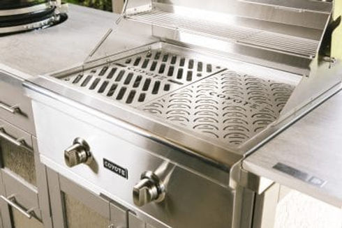 Coyote-Grill-28-inch-with-Signature-Grat