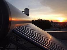 Aquecedor solar de água - tubos a vácuo