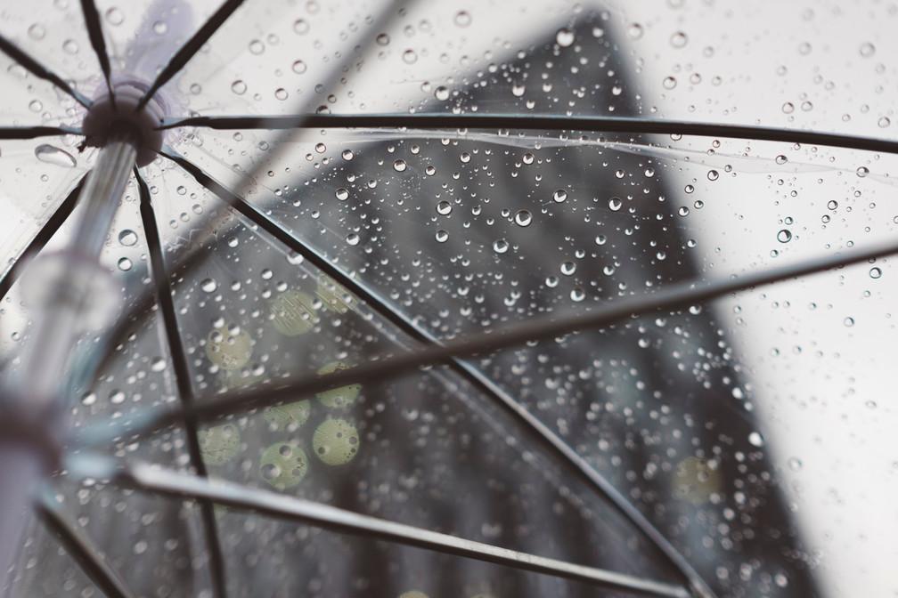 Quand la pluie appelle à la présence