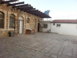 חצר האגי יחזקאל