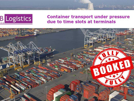 Container transport under pressure due to time slots at terminals