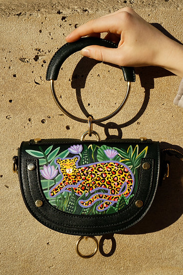 IN THE JUNGLE Metal Handle Shoulder Bag / Purse