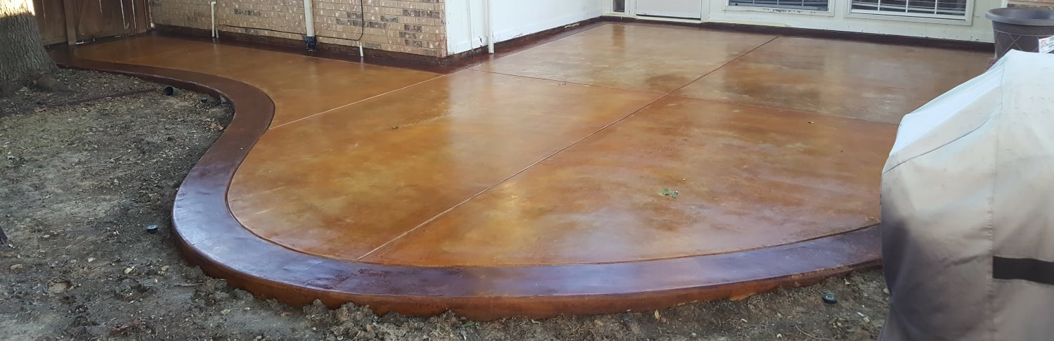 Two tone stained concrete patio