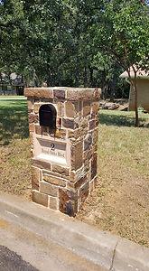Flattop Stone Mailbox