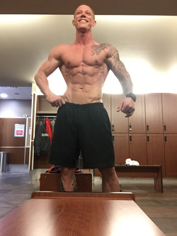 posing-physique-muscle.jpeg