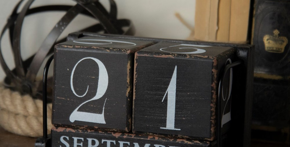 VIP International - Home & Garden: WOOD PERPETUAL CALENDAR BLACK