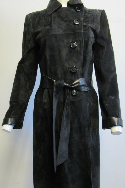 AKRIS Black Suede Long-Sleeve Coat with leather cuffs and belt SZ F42/8