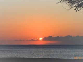 オアフ島に沈む夕陽~モロカイ~