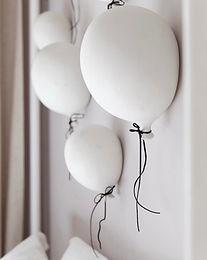 Ballon White 3.jpg