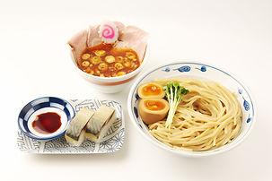 サバ濃厚鶏辛つけ麺+サバ寿司(2カン)
