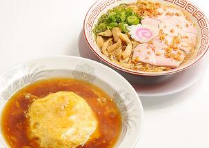 中華そばと半天津飯