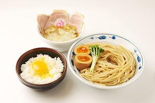 サバ濃厚鶏つけ麺+玉子かけごはん 底引きたまり醤油使用
