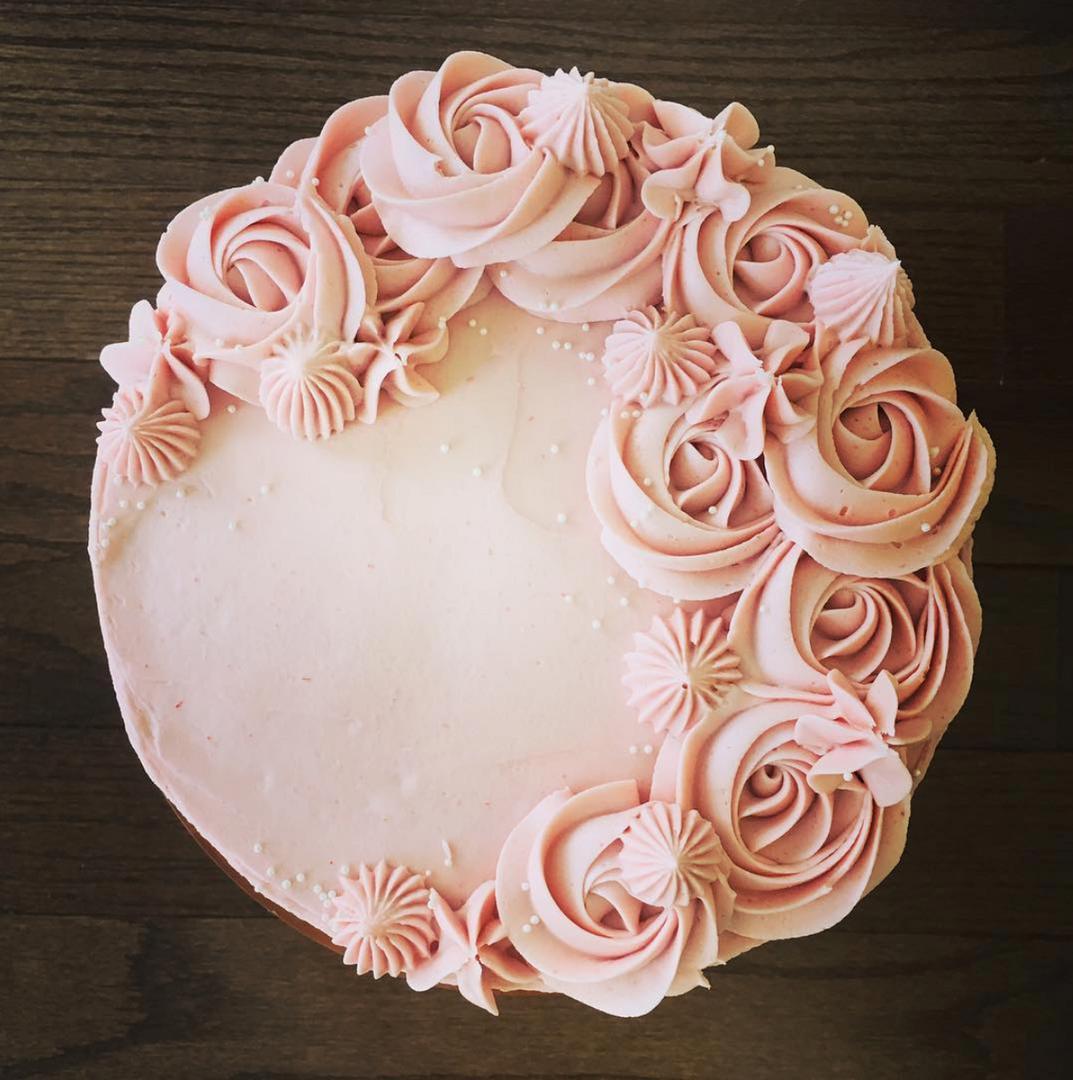Vanilla cake with raspberry buttercream