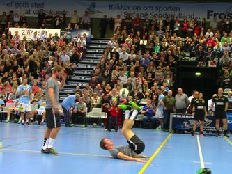 Show foran 2000 tilskuere til Håndbold brag i Sønderborg!