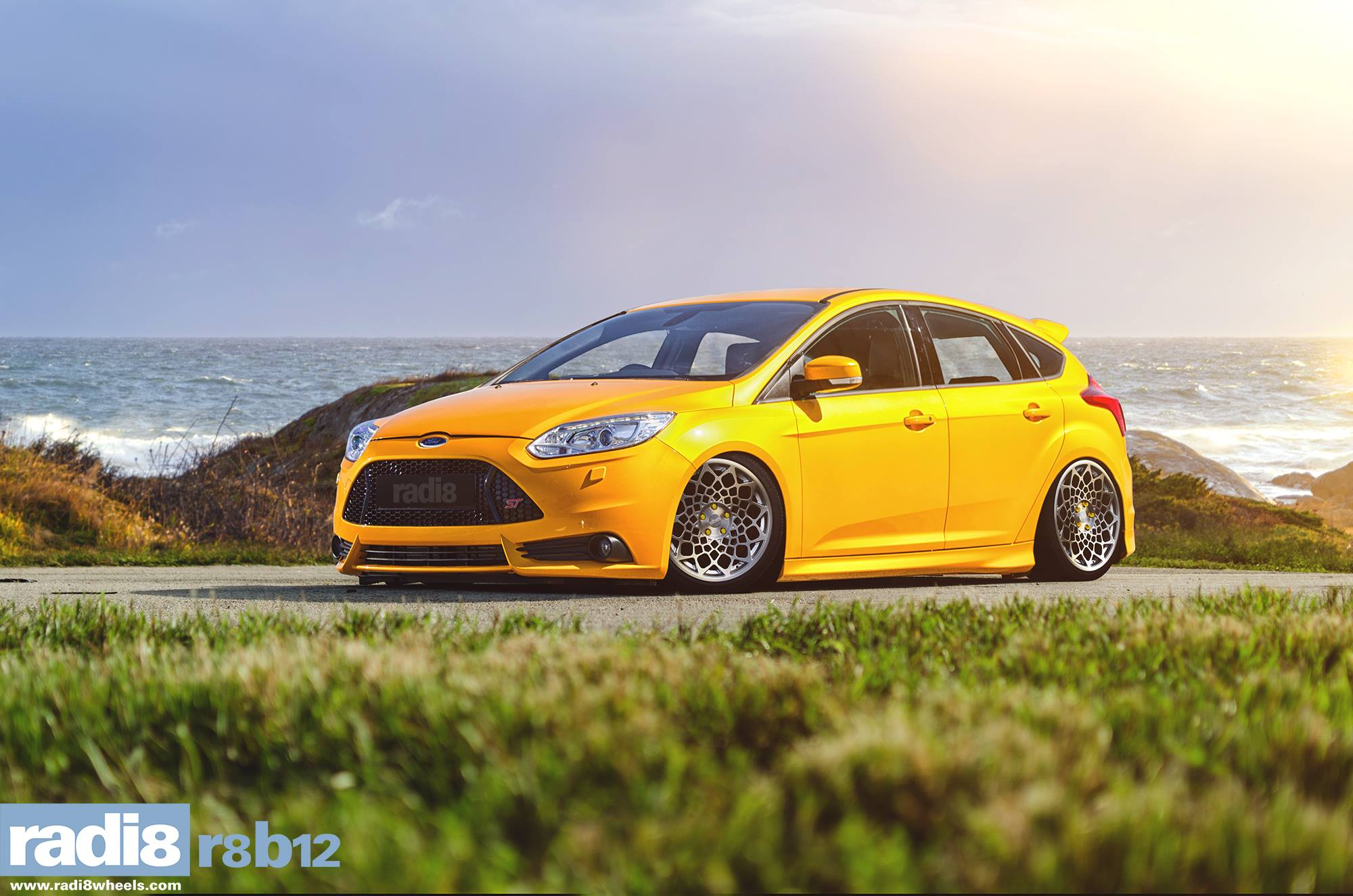 Radi8 R8B12 Wheels - Ford Focus ST