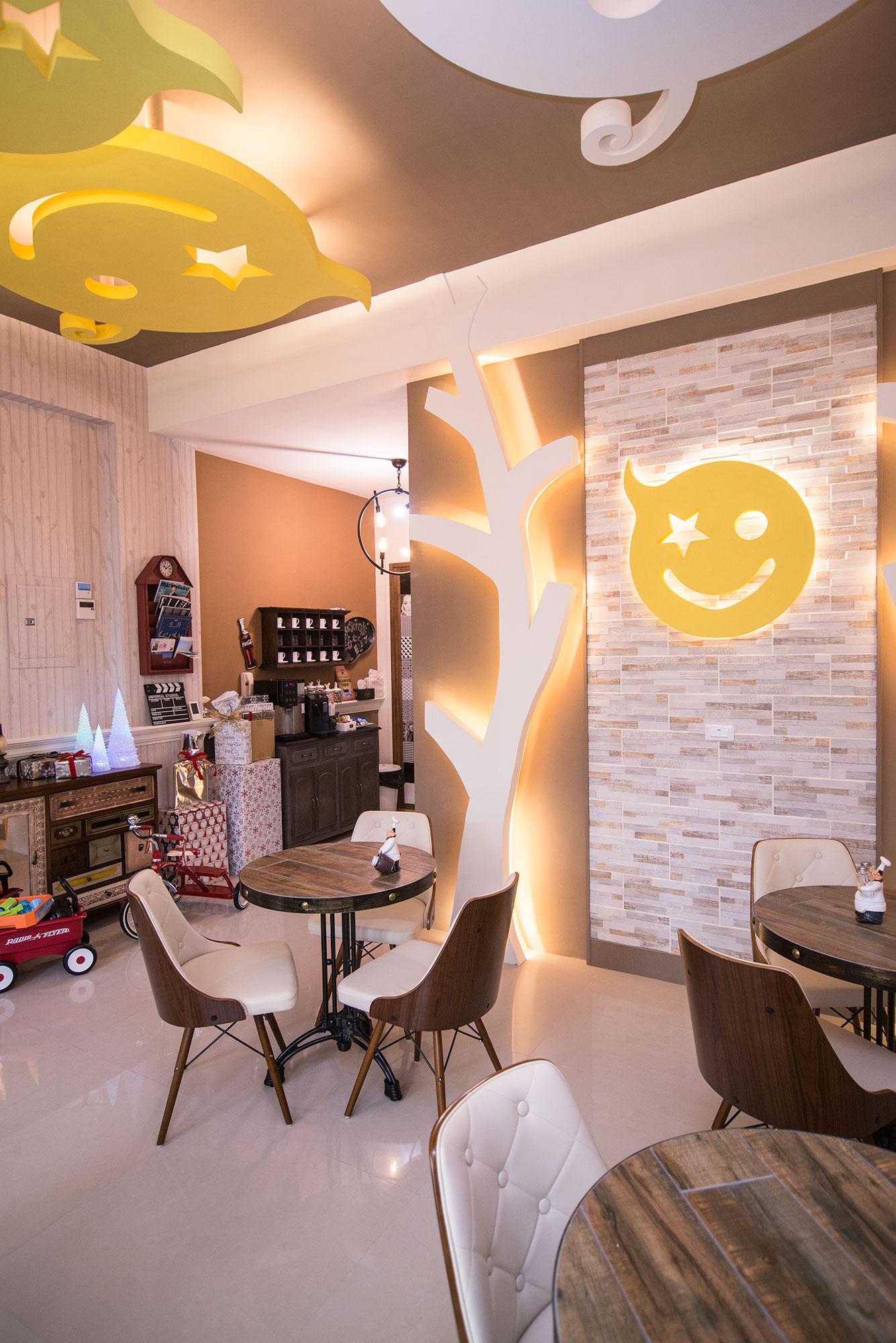 smile-bnb livingroom