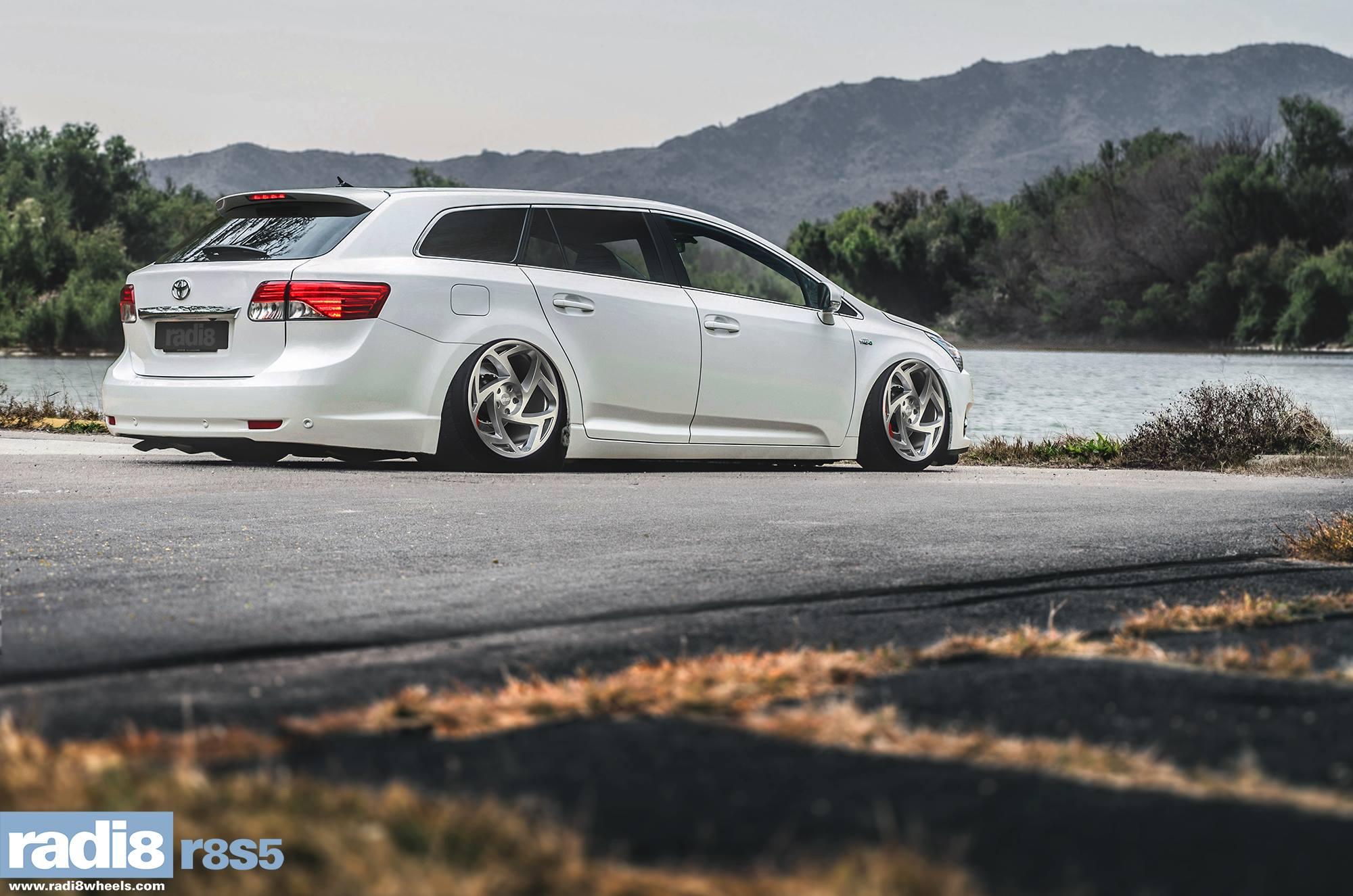 Radi8 R8S5 Wheels - Toyota Avensis Wagon