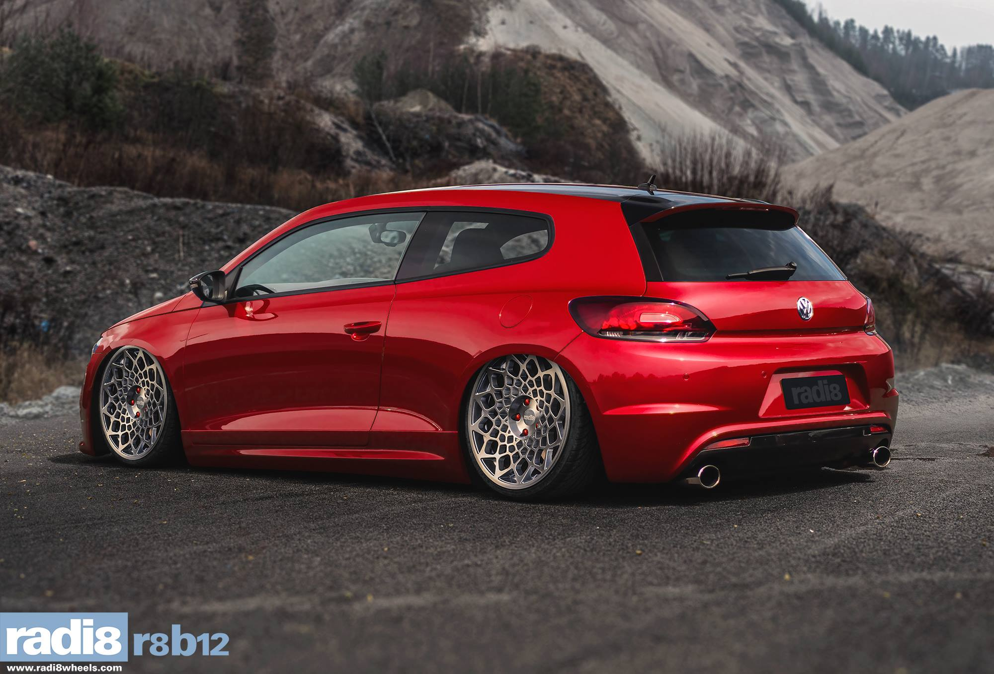 Radi8 R8B12 Wheels - Volkswagen Scirocco red
