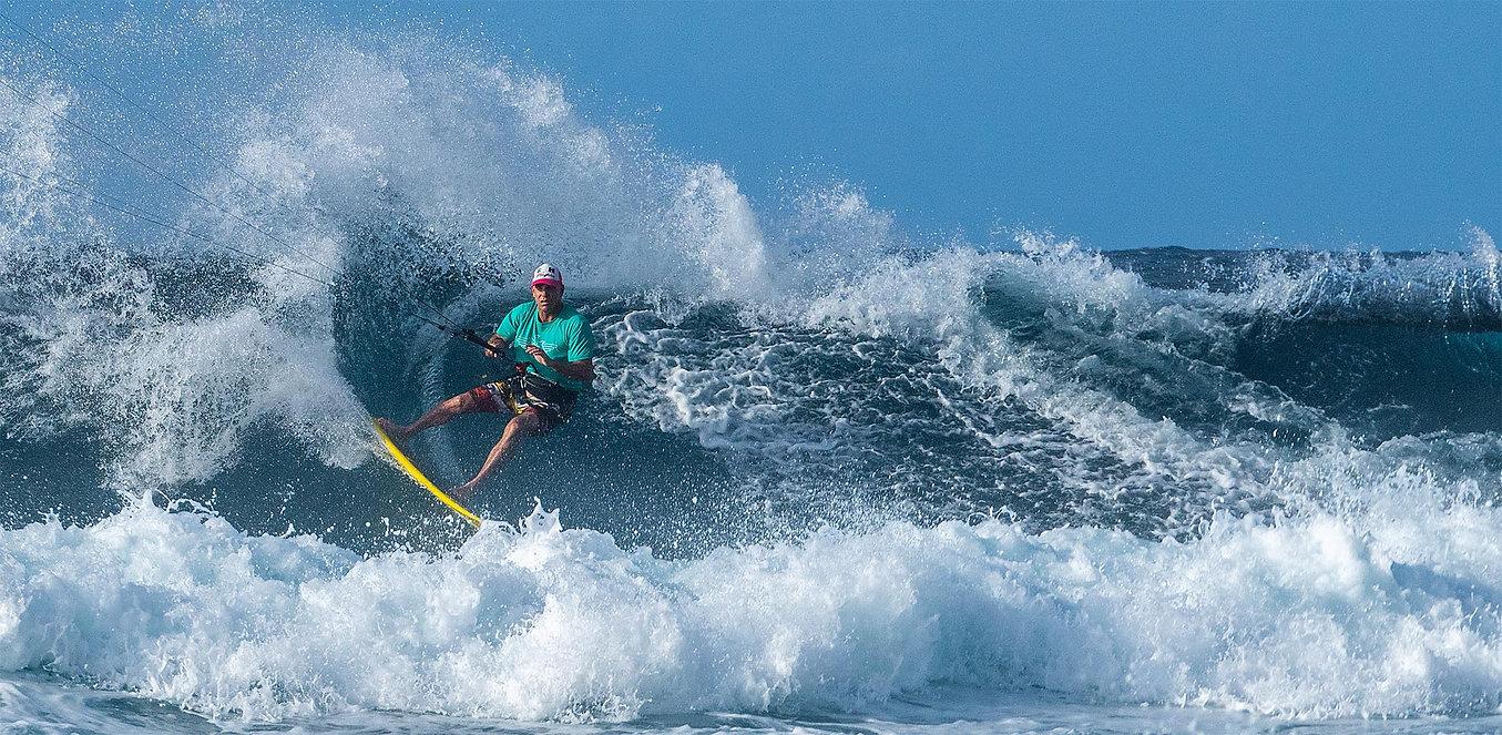 Matt_Tobin_Kitesurfing_Waves_Stallion.jp