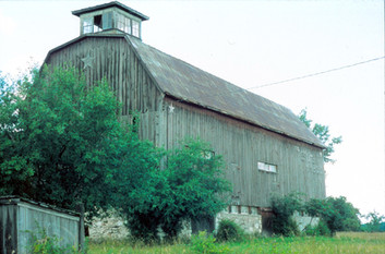 Barn facing South (now private property located on Hwy 36)
