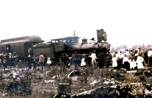 First train in Bobcaygeon 1904 cropped