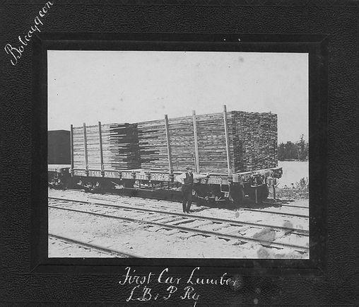 Aug15,04 to J.C.Scott Co. TorontoLumber leaving Bobcaygeon.jpg