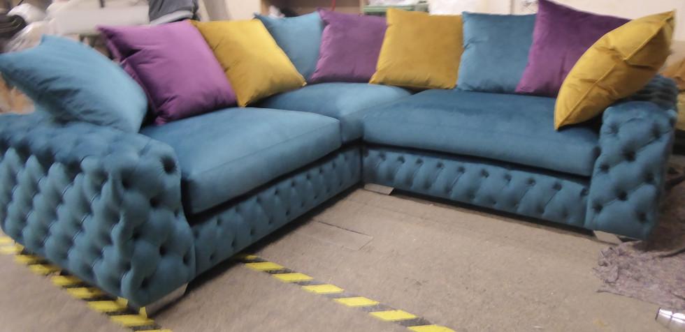 Mercury Corner Sofa (31) swipe/use arrows to change image