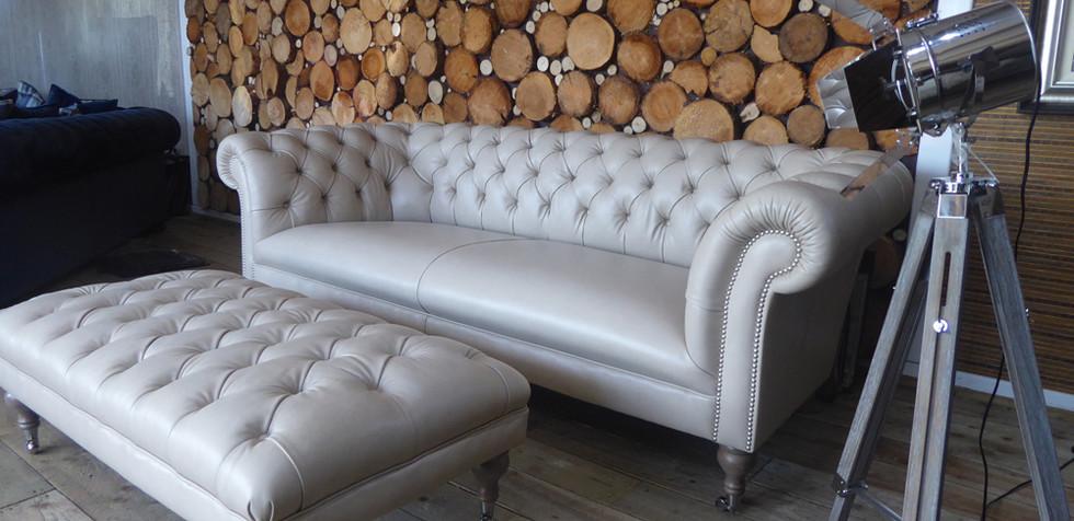 Harris Sofa (1).jpg