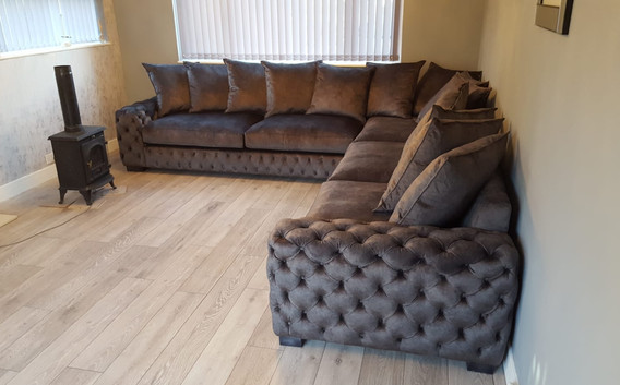 Mercury Corner Sofa (60) swipe/use arrows to change image