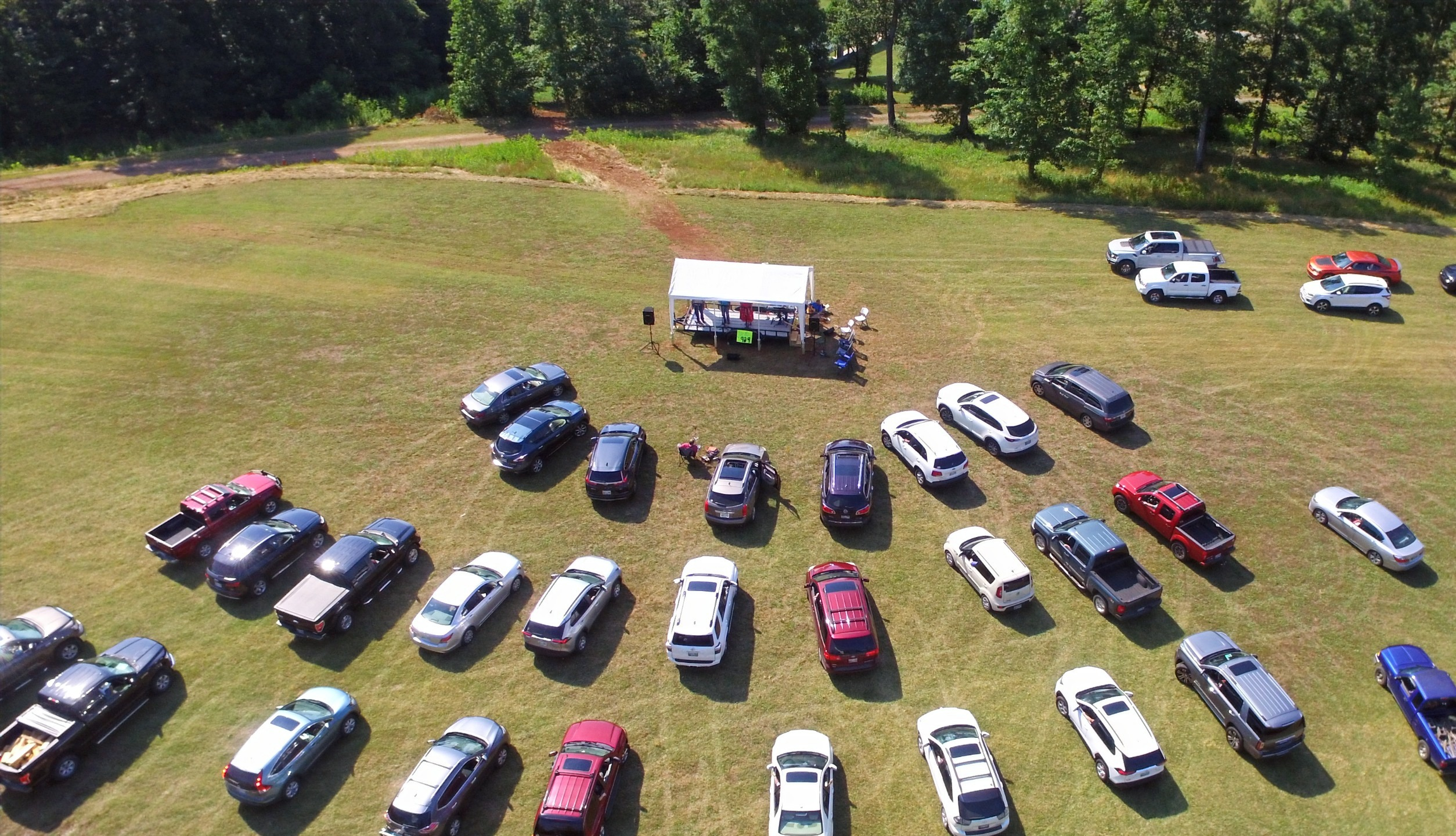 Drone%20Drive-IN_edited