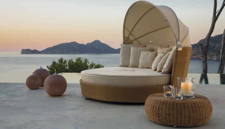 ROMANTIC DE POINT - DAYBED