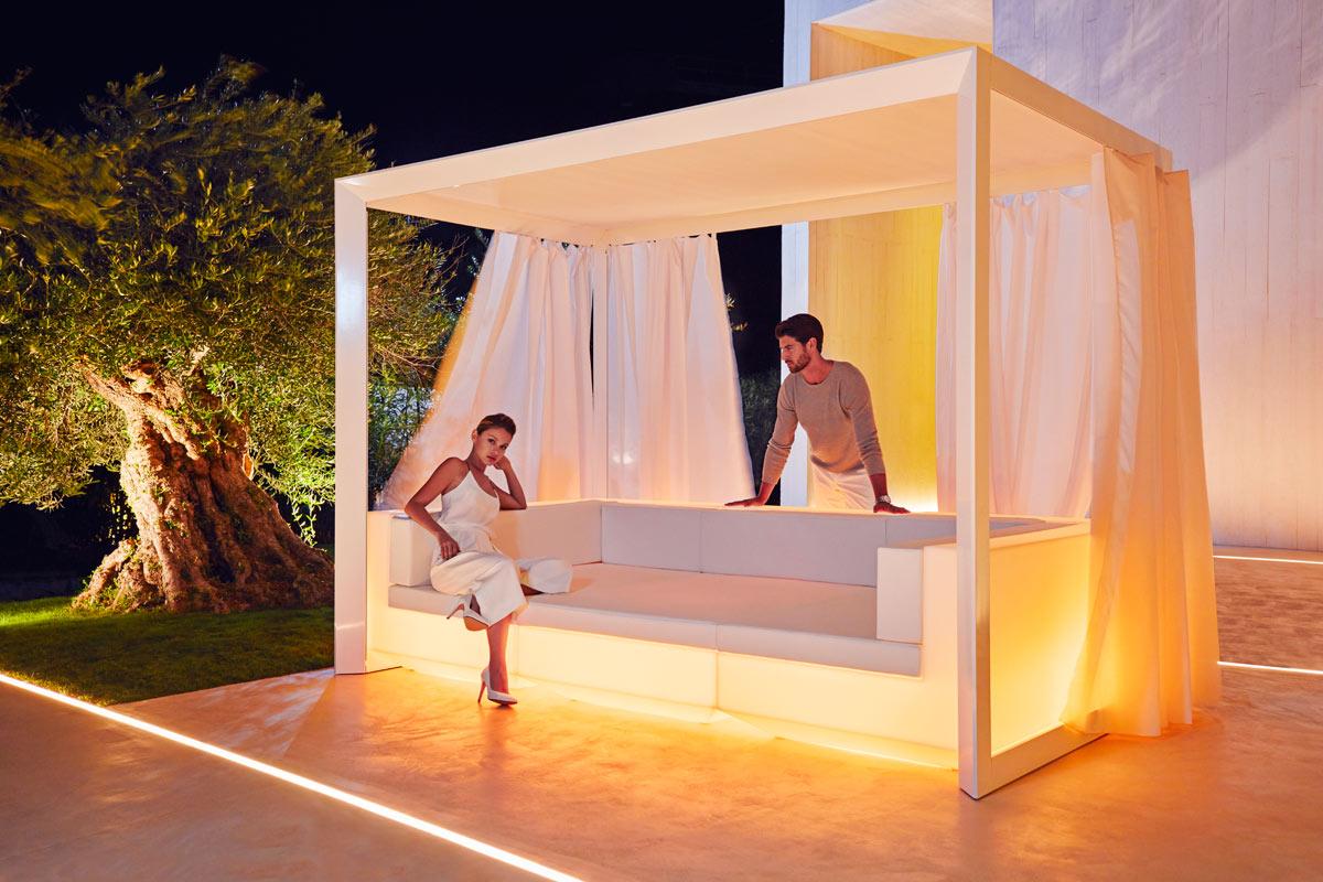 VONDOM-muebles-exterior-diseño-con-luz-sofa-pergola-vela-ramonestve-vondom (2)
