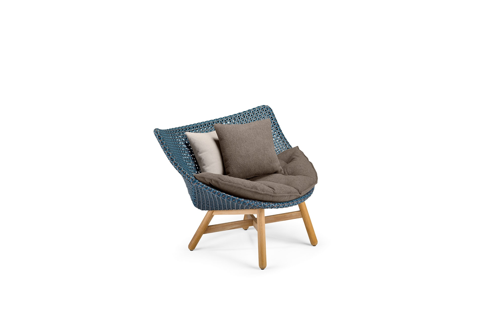 DEDON-Mbrace-Loungechair-decocushion-atlantic