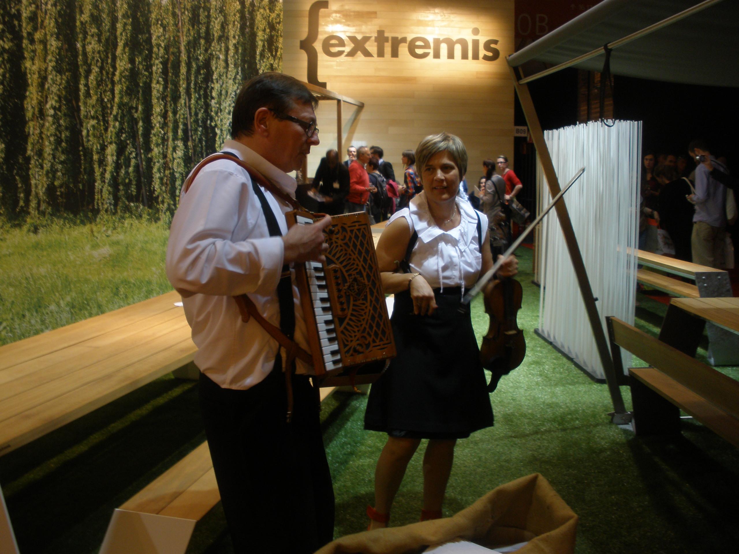 Extremis Party, Feria del Mueble