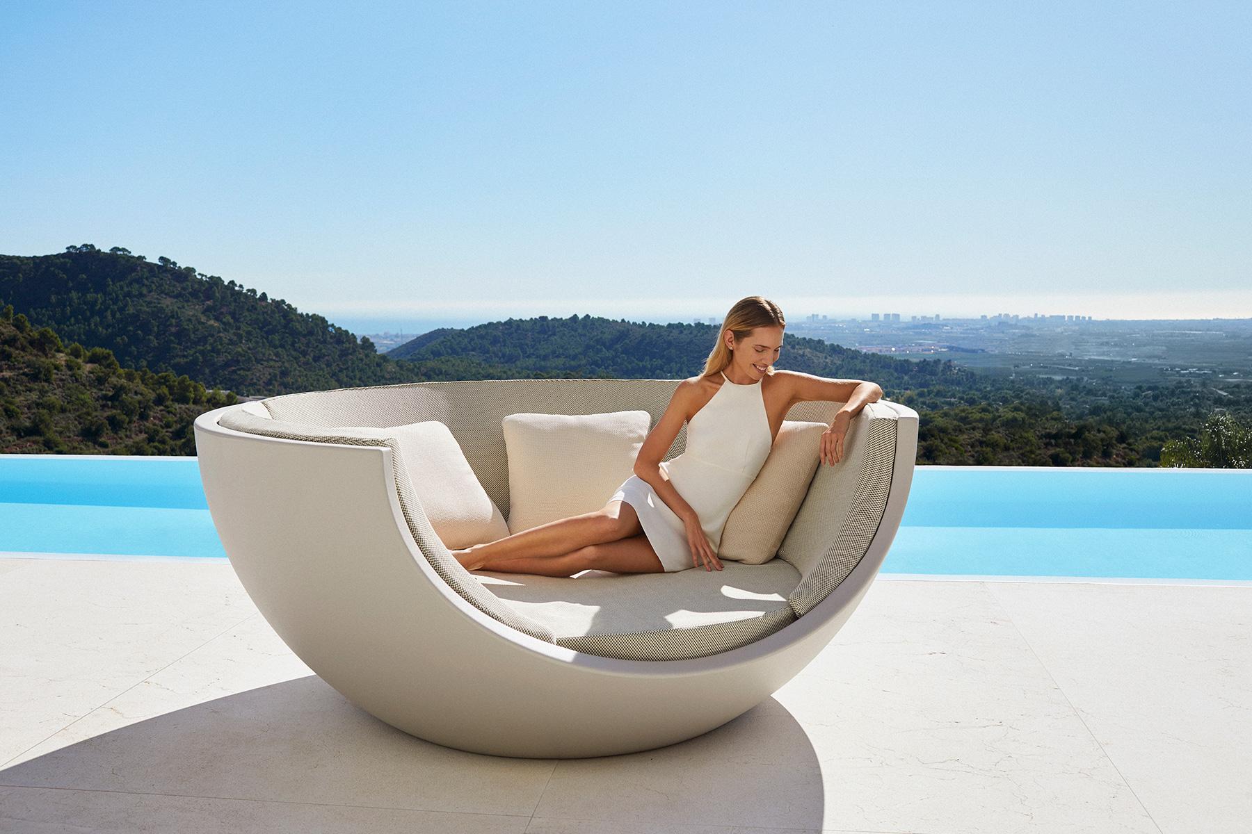 daybeb-muebles-exterior-diseño-moon-ramo