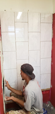 Setting shower tile